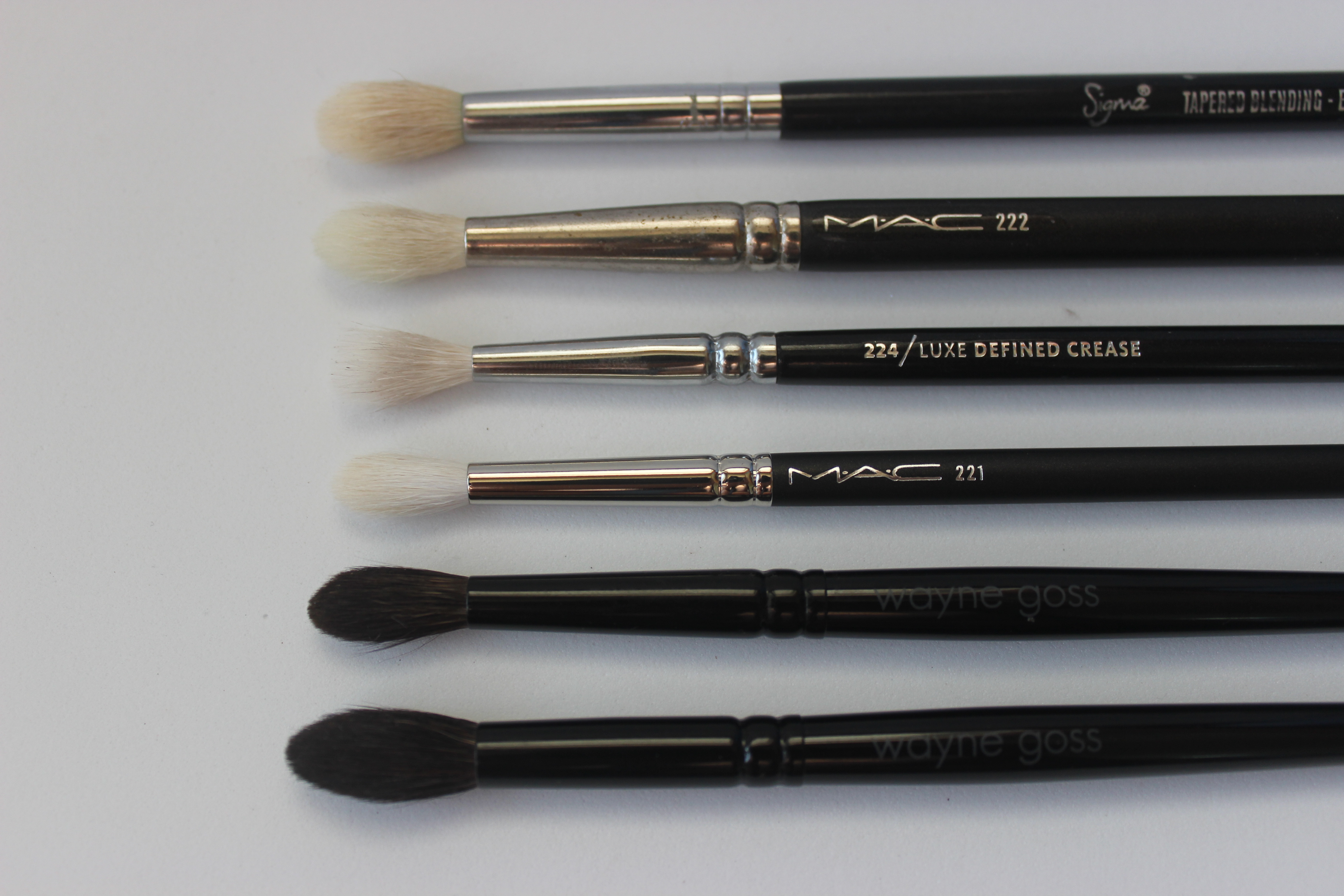 mac blending brush 224. sigma e35, mac 222, zoeva luxe defined crease, 221, wayne goss 04, 03 mac blending brush 224